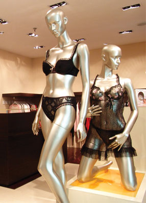 // // INNEE Luxury Lingerie Boutiques @ China